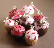 Miniature Cupcakes by PetitPlat