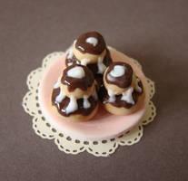 Miniature Food - Religieuses by PetitPlat