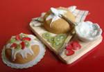 Kiwi and Strawberries Cake