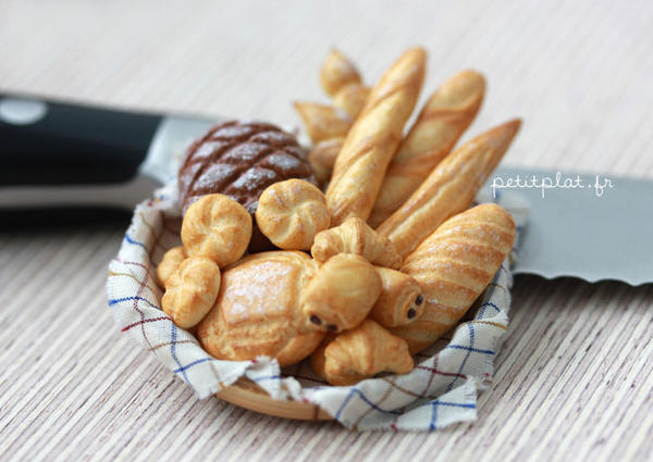 Bakery Basket 1 by PetitPlat
