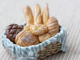 Bakery Basket 2 by PetitPlat