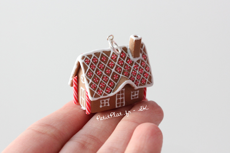 Oh another gingerbread house pendant by PetitPlat