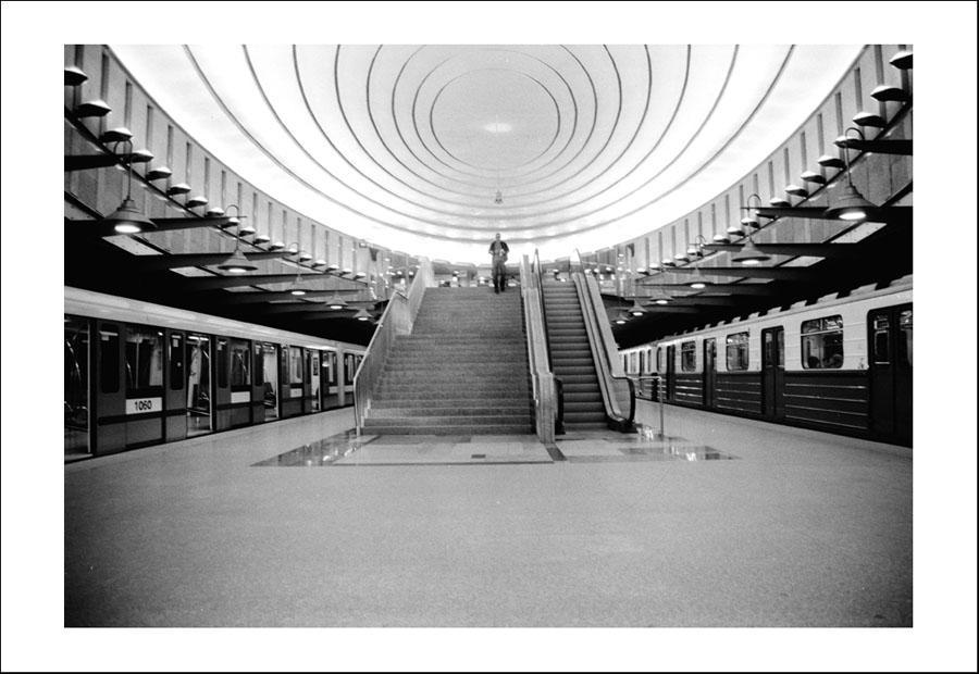 Warsaw subway station by BartekZielinski