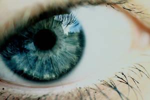 Another eye by Ermenelwen
