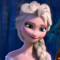 Elsa: Blowing a kiss (gif) by NoNameDEF