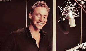 Tom Hiddleston Smile Gif