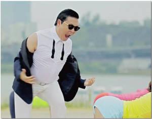 Gangnam Style Funny GIF ( Sexy Lady ) :p