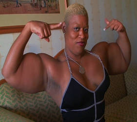Superthick 146 by GrannyMuscle