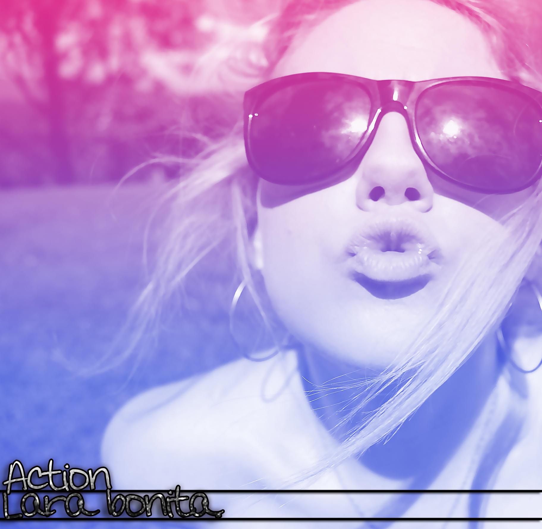 Action Lara Bonita. by DontTouchMeBitch