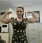 Elisabeth Olsen Flexing biceps (deep fake)