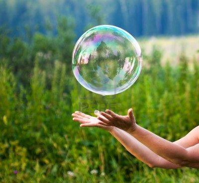 Рисунок карандашом мыльные пузыри