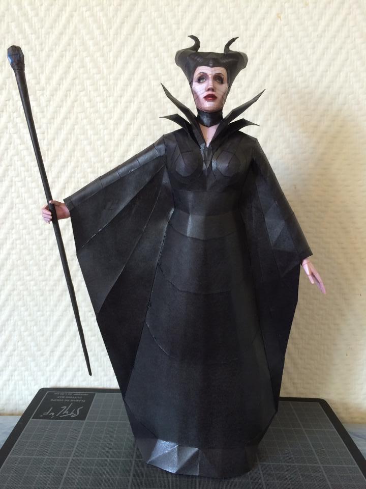 Maleficent Papercraft Download by darcrash
