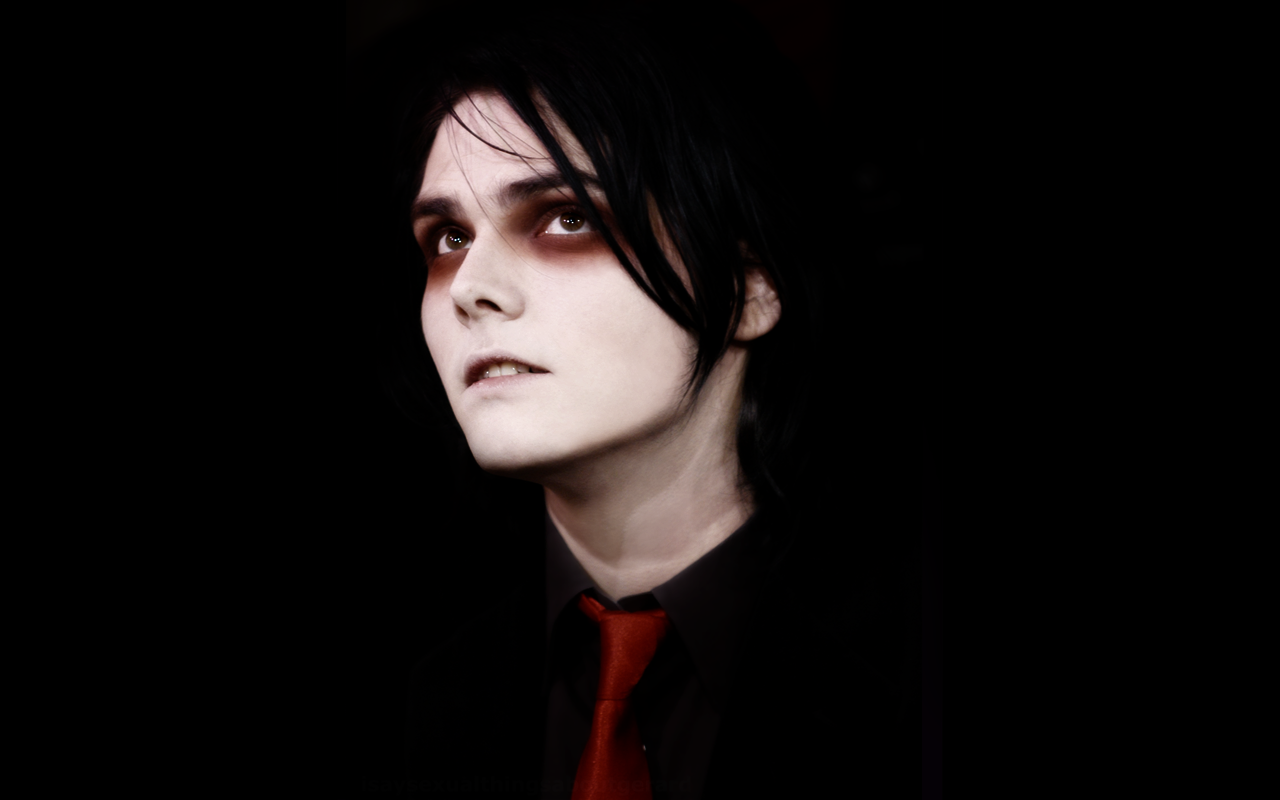 Gerard Way I by M4RTiNiKiSS on DeviantArt