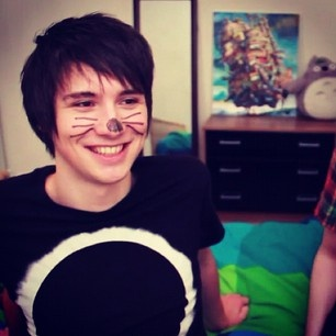 Getting comfortable dan howell x reader by chloele12345 on
