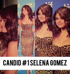 Candid #1 Selena Gomez