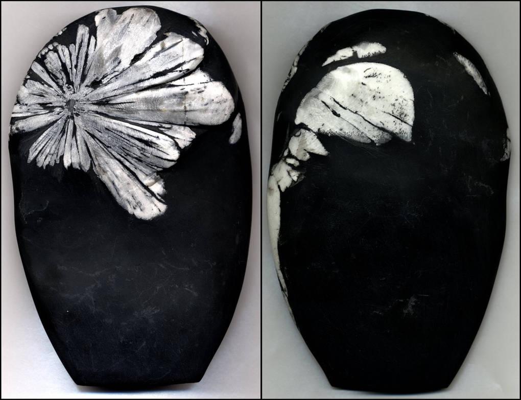 Chrysanthemum stone by Talec