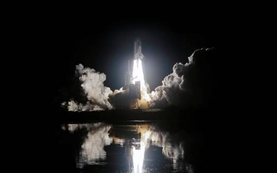 NASA Night SpaceShuttle Launch