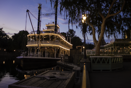 Riverboat 01