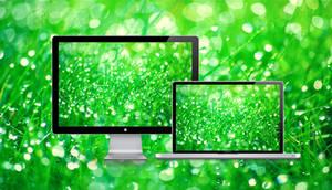 Grassy green by Deyys