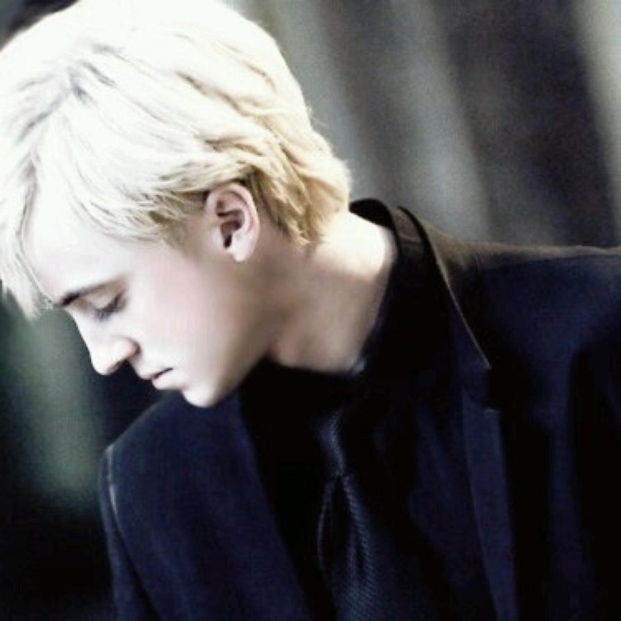 Draco Malfoy x Reader : Seducing the enemy by Sashachan4 on