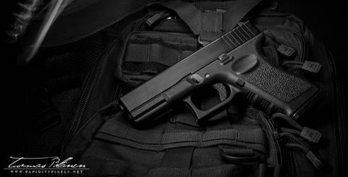 Glock G19 pt.1 by waakku