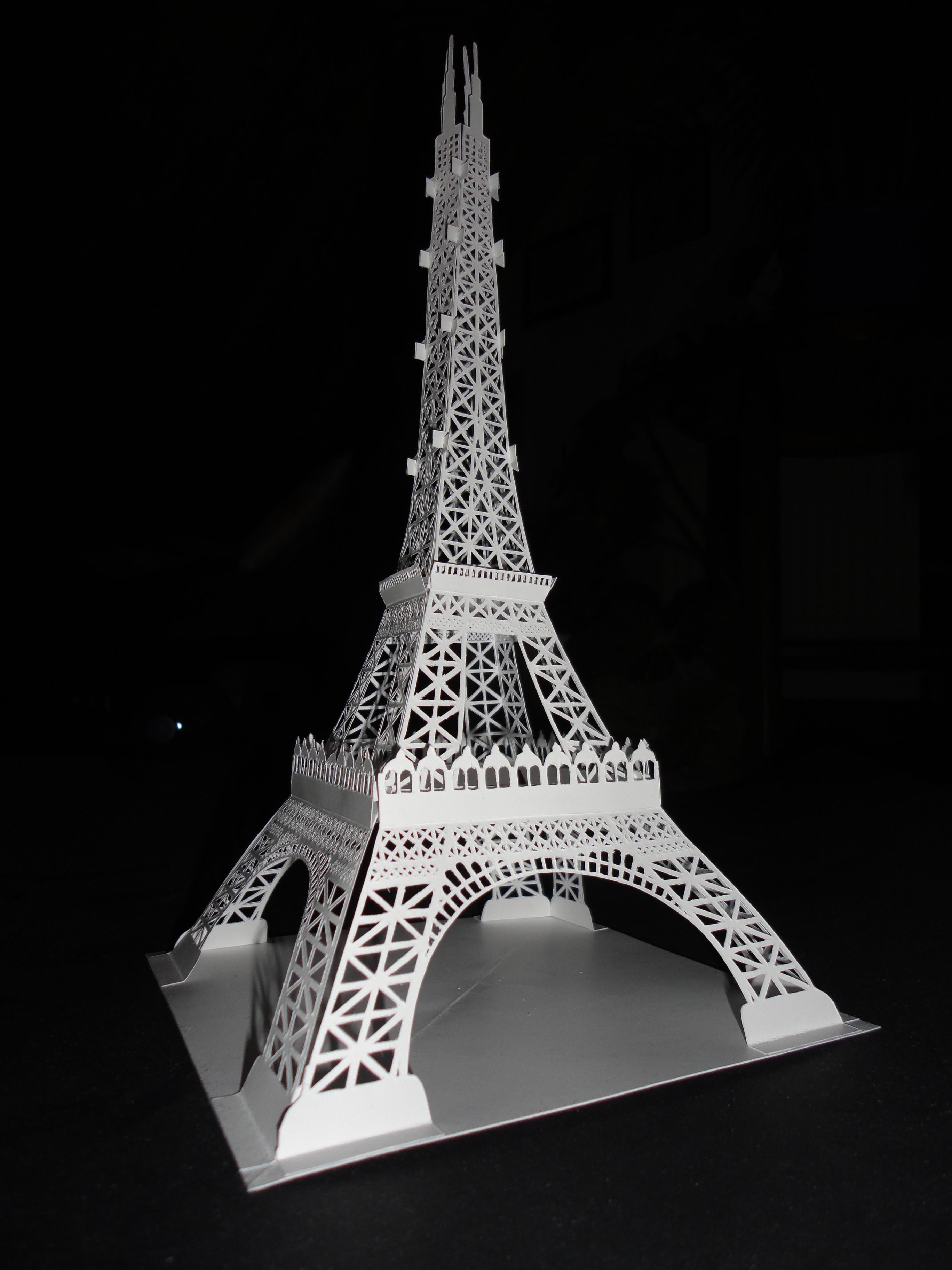 Eiffel Tower by Luyomi333