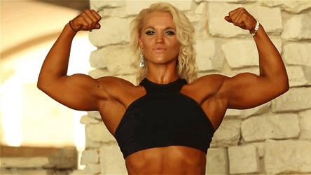 Lauranda amazing biceps by unit7777777777