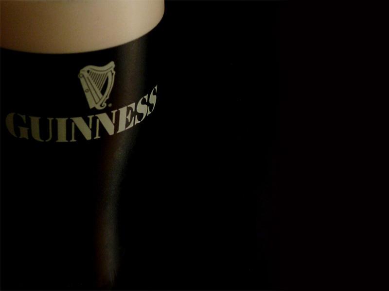 Votre fond d'écran du moment - Page 5 Irish_Curves_Wallpaper