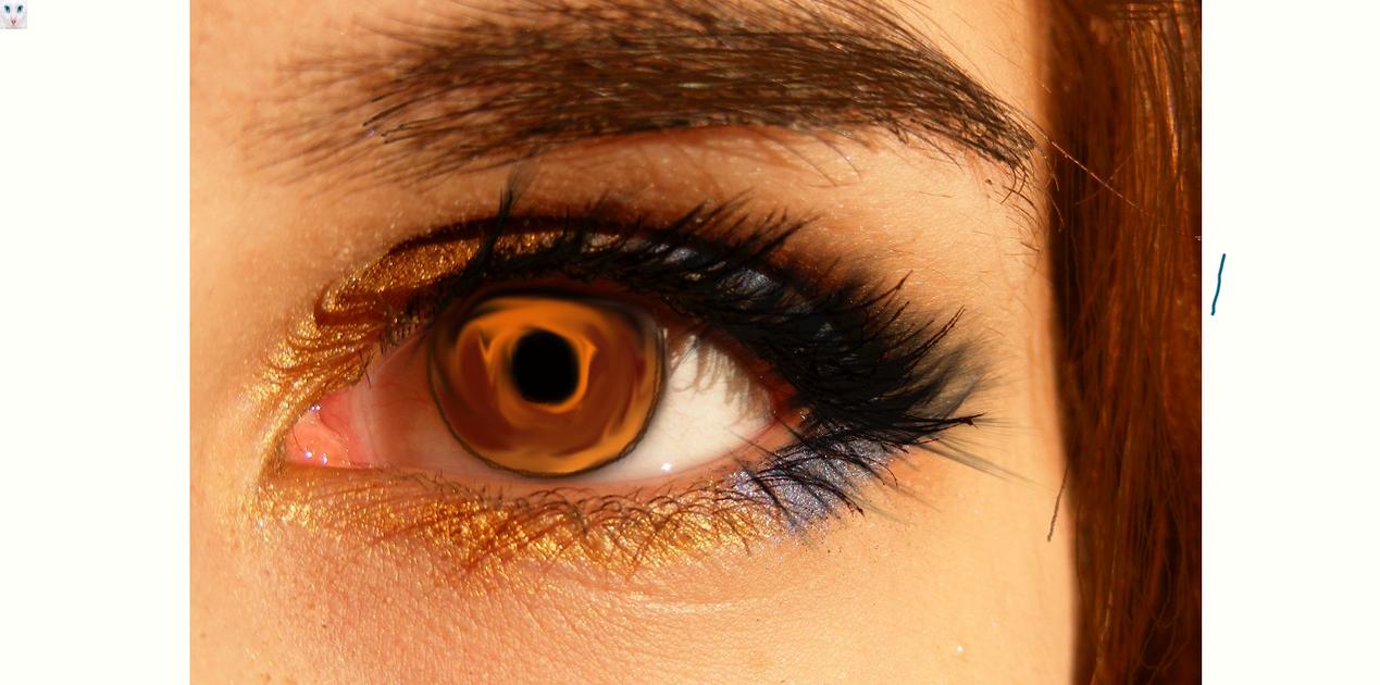 Golden eyes by ThatArtsyGirl9