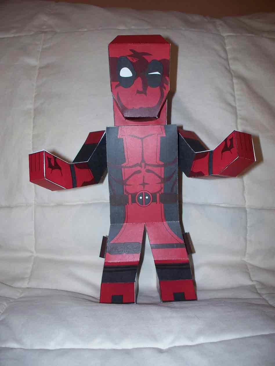 Deadpool paper hero by SharkBomb