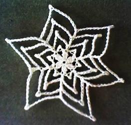 Pretty Picots Poinsettia Snowflake - Free Pattern