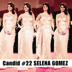 Candid #22 Selena Gomez