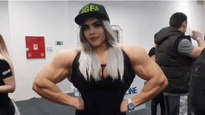 Cara Delevingne got super huge !