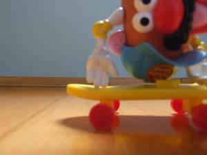 Mr. Potato Head Skateboarding (gif preview)