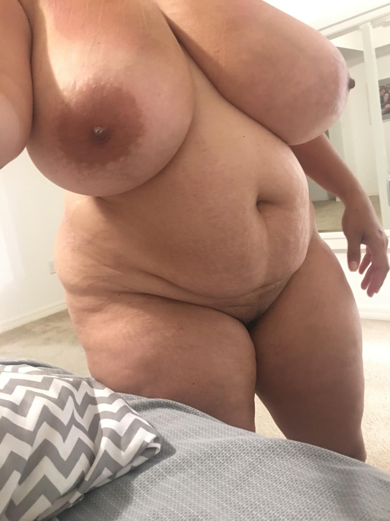 Толстушка большая грудь