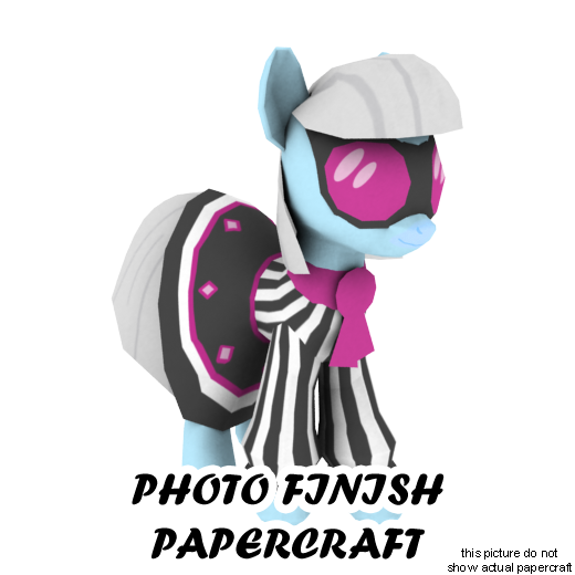 Photo Finish papercraft by darth-biomech