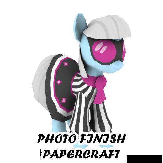 Photo Finish papercraft by darth-biomech