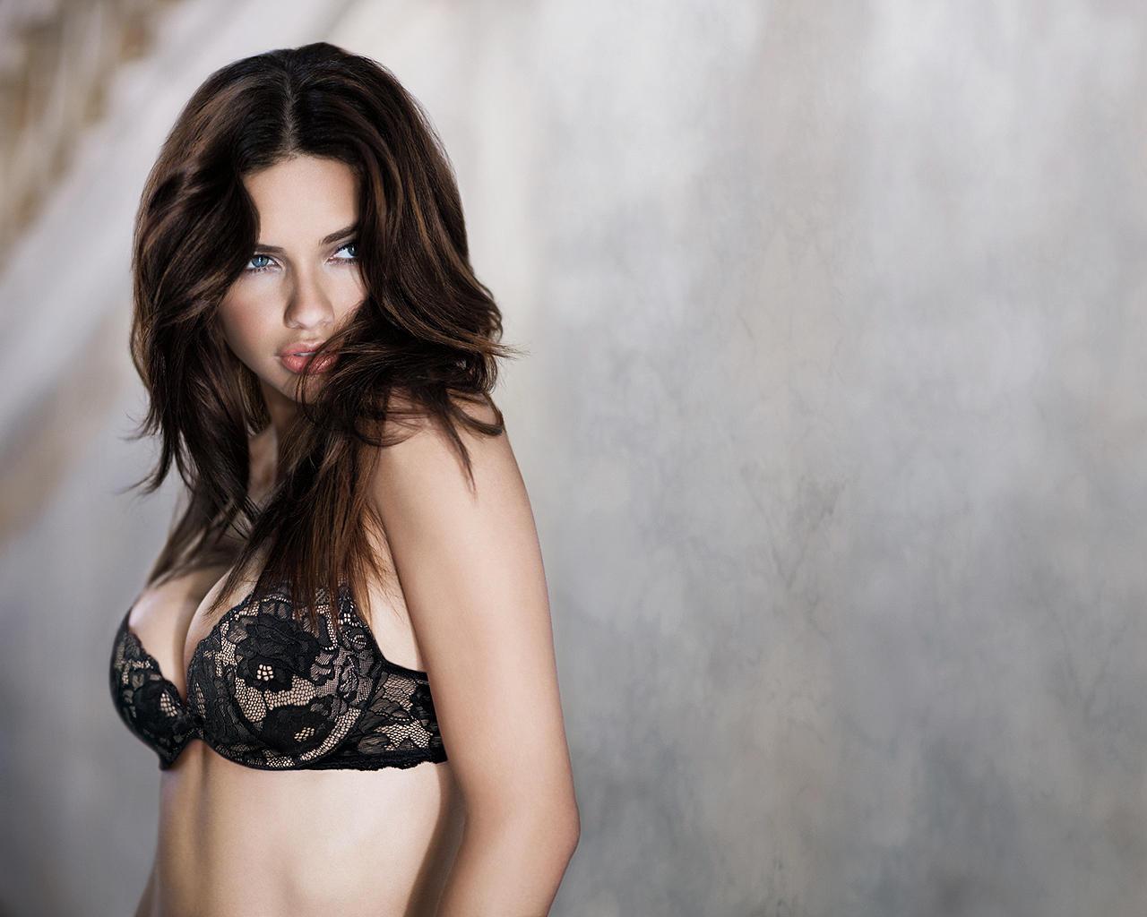 Adriana Lima 2 by Ex3cut3r
