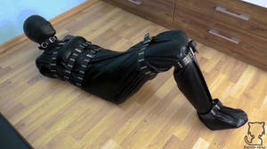 Video Tracer bodybag, tapegag and latex hood