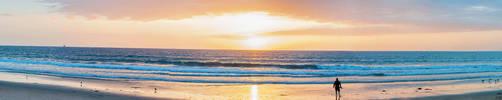 Beach Panorama by deviouselite