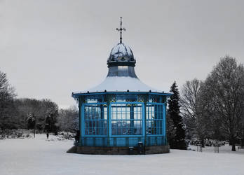 Bandstand... In snow.. by Snaaa