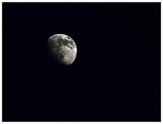 Sharp Moon by KKokosz