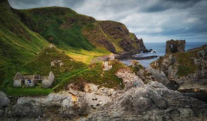 Kinbane Castle - N.Ireland by atenytom