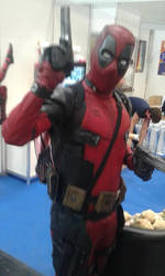 Captain Deadpool, nah just Deadpool Cosplayer! by Kiro-Kurusu
