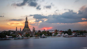 Wat Arun, Bangkok by TomazKlemensak