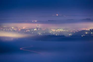 Dawn and mist by TomazKlemensak