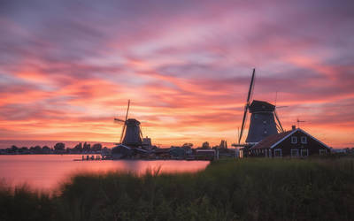 Zaanse Schans Windmills by TomazKlemensak