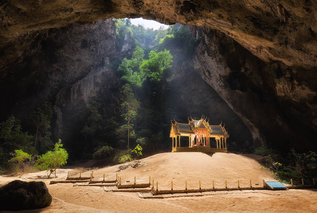 Phraya Nakhon Cave by TomazKlemensak