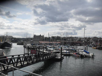 Scarborough Harbour by PlatinumRobert