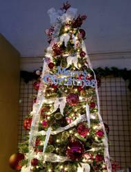 Merry Christmas Tree by Lady-Kelaria